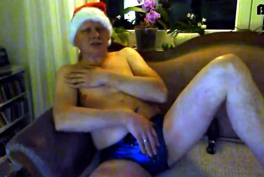 Geiler Weihnachtsmann f***t mit A**lv******r