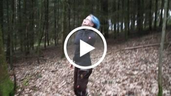 BandidaFox: Muss pissen im Wald
