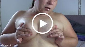 Download: Kasia-Privat - Shorty Feuchte Brüste
