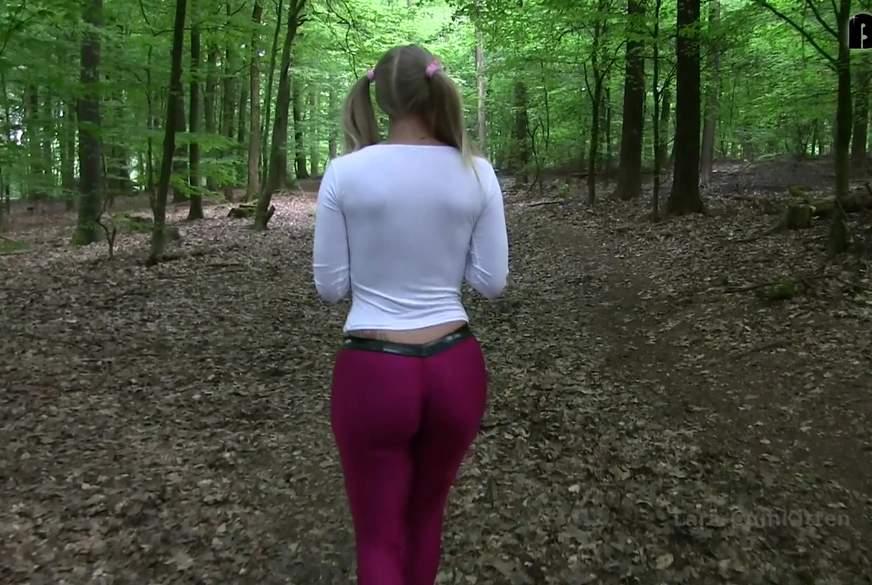 Unschuldig v***********t - Leggings T***y im Wald z******t