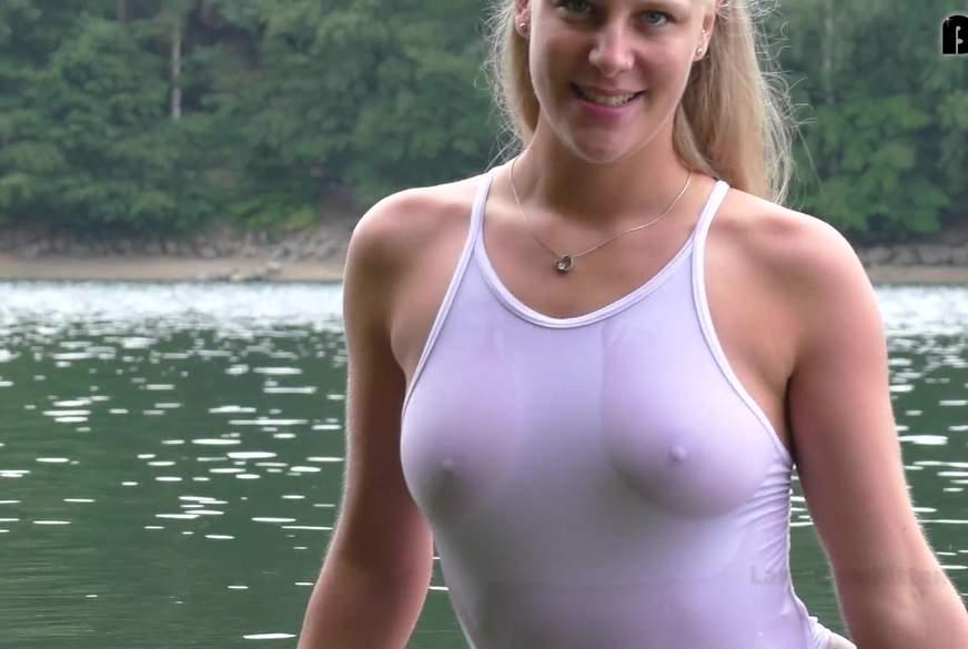 Public im Badeanzug - N*****l posen und w*****n am See