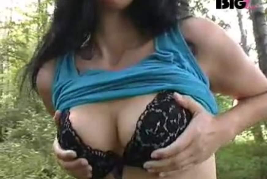 Striptease im Wald