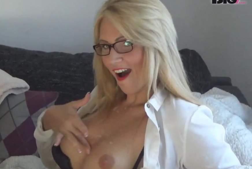 User-Nachhilfe! Voll g*****t, voll g*****t! Live vor der Webcam!