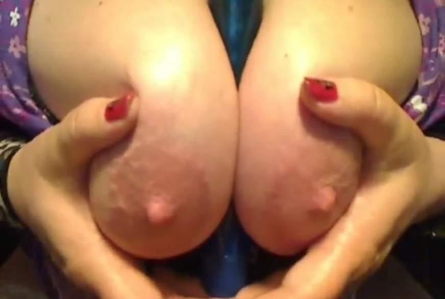 Brüste mit D***o