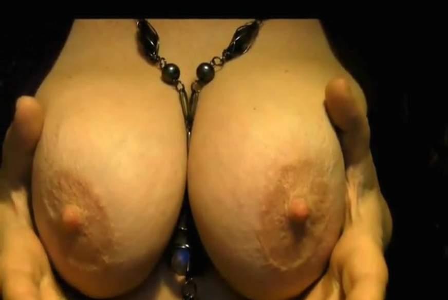 Große Brüste