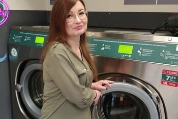 Waschen Oder F****n Public Abgeschleppt im Waschsalon !!