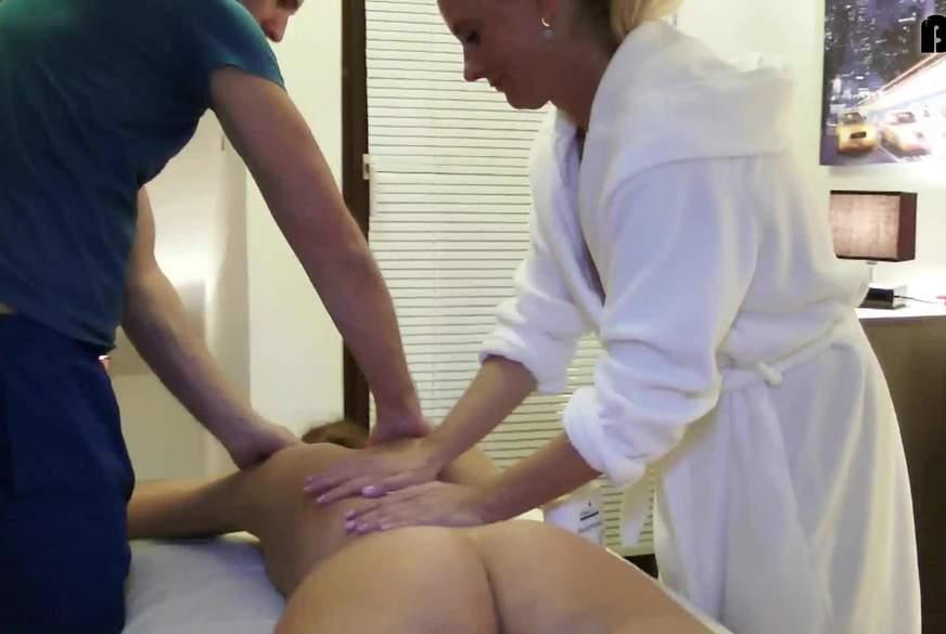Erotische Massage zu Dritt….