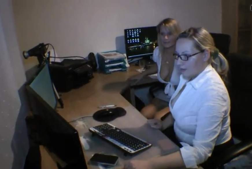 Heels Nylons und F***en im Büro