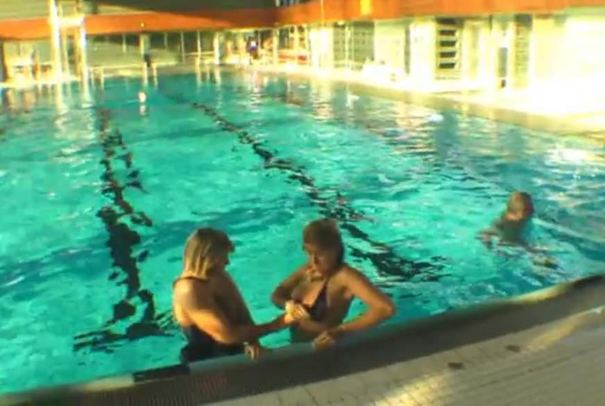 Bei L***enspiel im Schwimmbad Erwischt und Hausverbot bekommen