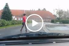 Nylon Blowjob und Nylon Fisting im Auto