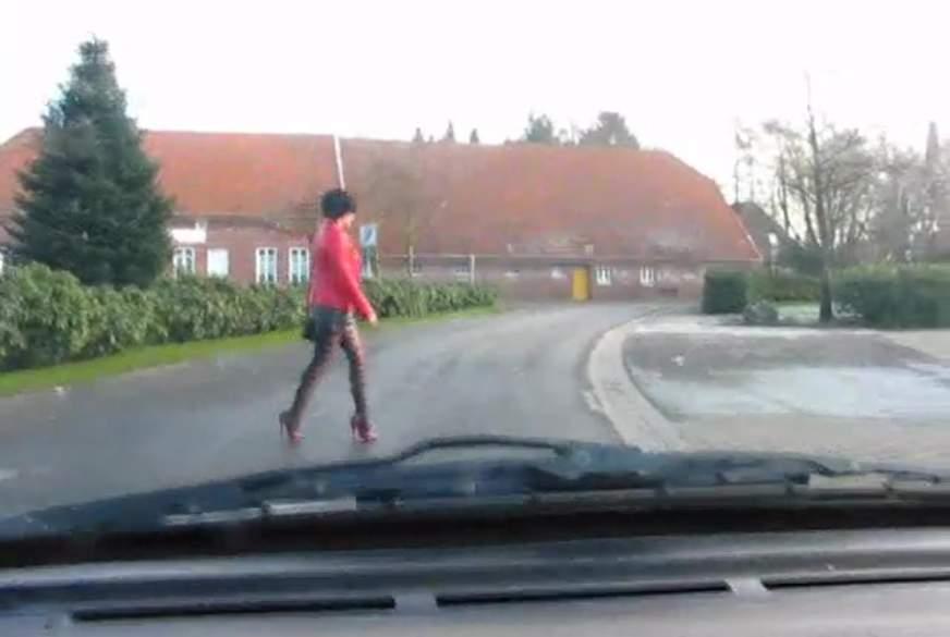 Nylon B*****b und Nylon F*****g im Auto