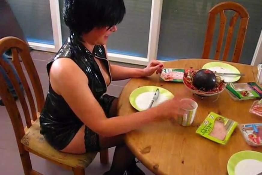 S****a Frühstück nach der Fetischparty