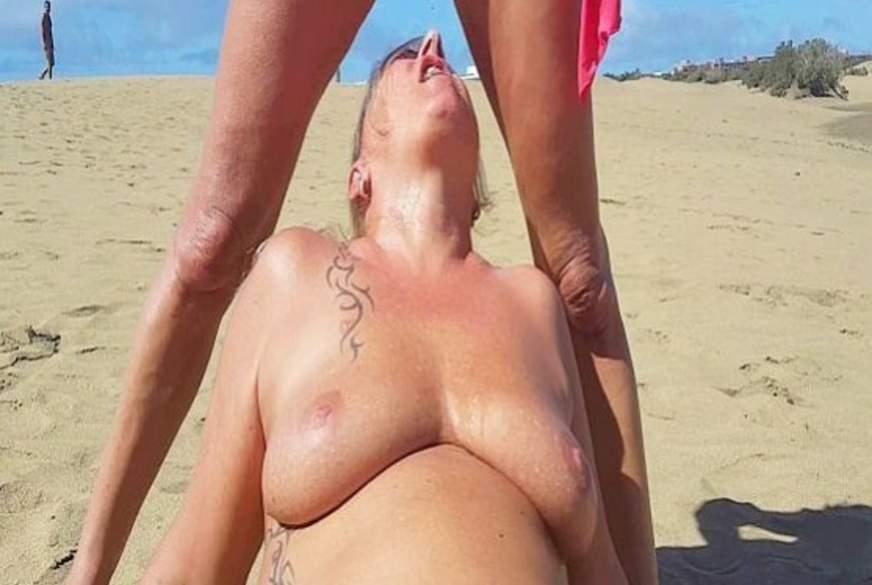 Krasses Public rumsauen am Strand von Maspalomas!